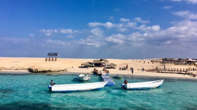 Egypt: Paradise Island and cheers to 2019