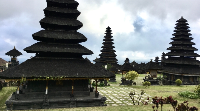 Bali: Temples, monkeys and butterflies
