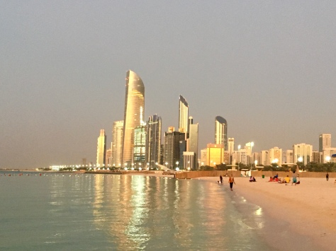 Abu Dhabi, Corniche Beach